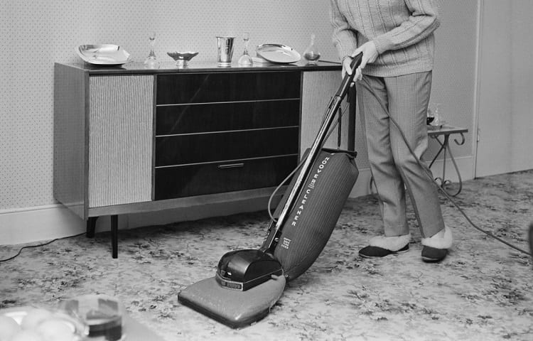 first popular vacuum cleaners